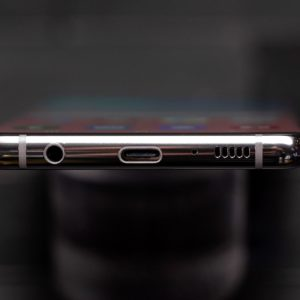 Samsung Galaxy S10 headphone jack